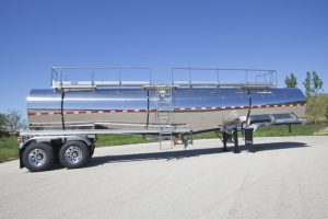 7000 Gal General Purpose Tank Trailer Side Sans Tractor